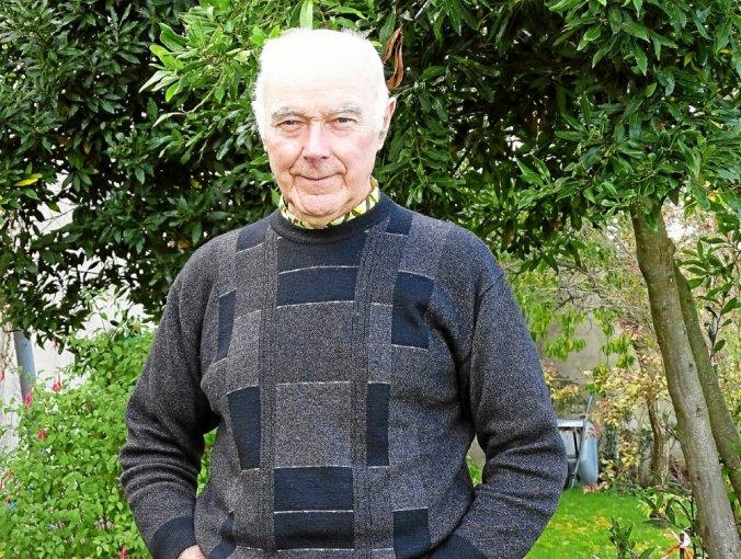 Père Jean-Pierre Penhouët