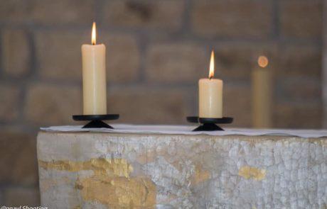 Autel et Bougies - Sainte Bernadette